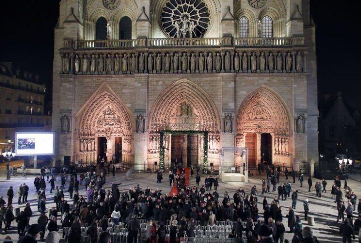notre dame Près de 2.000 personnes célébrent les 850 ans de Notre-Dame de Paris Près de 2.000 personnes célébrent les 850 ans de Notre-Dame de Paris notre3