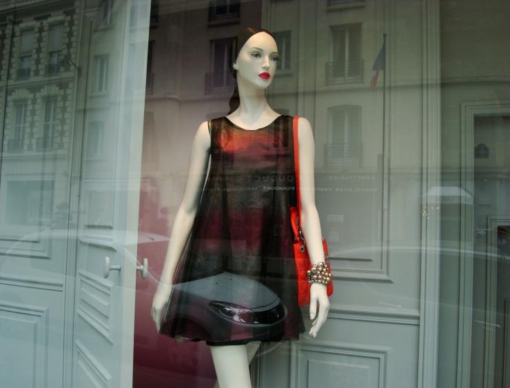 dior Dior: le magasin de luxe à Avenue Montaigne Dior: le magasin de luxe à Avenue Montaigne DSC01179