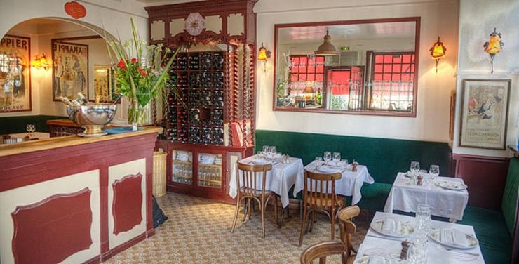 """""""Est-ce que vous avez pensé aller à Versailles dans le prochain weekend et vous ne savez pas les meilleurs places pour avoir des repas? Bien, nous vous aidons en donnant quelques suggestions de restaurants où vous pouvez aller"""" Les Top Restaurants à Versailles Les Top Restaurants à Versailles La Tour"""