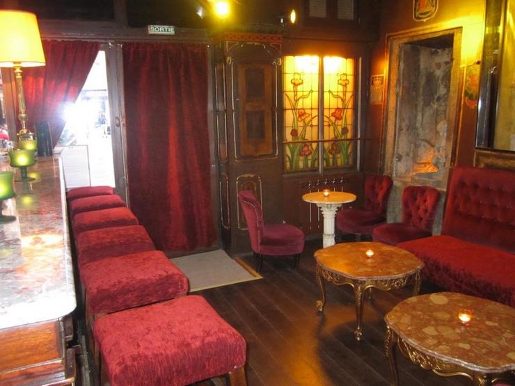« Si vous y allez en vacances ou même si vous vivez à Lyon, mais ne connaissez pas les meilleurs bars, cette liste pourra vous aider quand vous pensez à marquer un programme différent pour une des nuits de vos vacances » Les meilleurs bars à cocktails de Lyon Les meilleurs bars à cocktails de Lyon forian