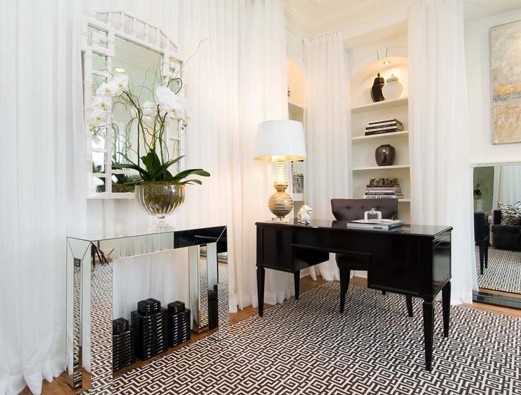 « Nous vous présentons quelques idées pour votre décoration d'intérieur avec des consoles rectangulaires » Des consoles rectangulaires pour cet Été Des consoles rectangulaires pour cet Été tiffany eastman Interiors LLC