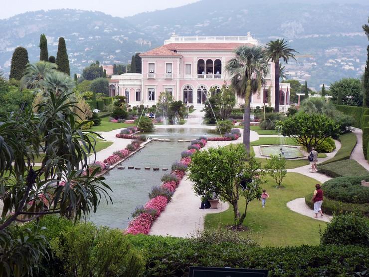 « Faite la choix de la ville, maintenant nous vous suggérons des villas trendy qui vous pouvez choisir pour vivre » Des Villas plus trendy à Nice Des Villas plus trendy à Nice 51