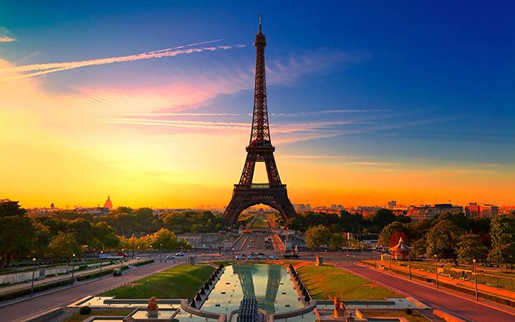 « En exploitant le circuit, ce sont plusieurs les activités que vous pouvez choisir. Cependant et comme probablement vous n'aurez pas de temps pour faire tous ce que vous souhaitez, nous avons choisi les top événements auxquels vous devrez être présent » Paris Design Week 2013: Art & Design Paris Design Week 2013: Art & Design paris 2
