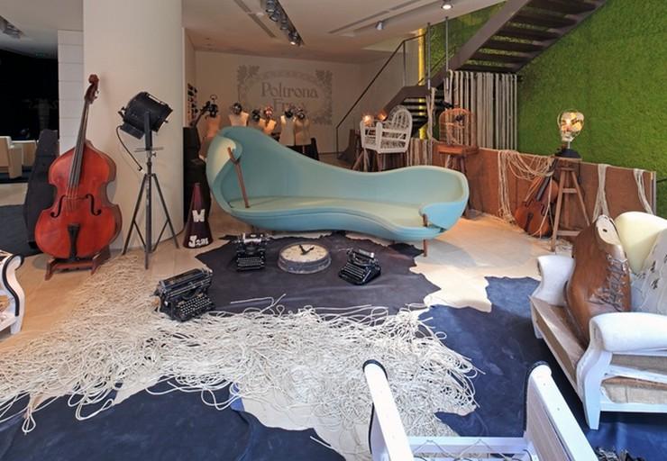Il a travaillé pour Prada, a passé six ans chez Fendi auprès de Lagerfeld, avec qui il n'a jamais autant ri, avant un passage douloureux chez Ungaro. Vincent Darré: l'excentrique designer Vincent Darré: l'excentrique designer 52