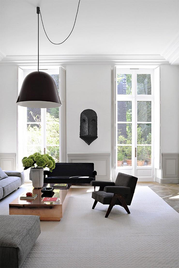 « Nous avons déjà vous présentez plusieurs projets de Joseph Dirand, le créateur de l'année 2013 et il continue à nos surprendre. Aujourd'hui c'est sur son dernier projet que nous écrivons, un projet dont le mot à retenir est minimal. » Joseph Dirand: Le luxe minimal Joseph Dirand: Le luxe minimal Joseph Dirand Le luxe minimal Architecture Design Magasins Deco