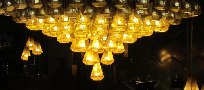 « Personnalité incontournable dans le monde du design, Tom Dixon a eu un très beau début d'année. Il a été élu créateur de l'année par le salon Maison & Objet et a également imaginé sa première brasserie parisienne à Beaugrenelle. » Tom Dixon élu créateur de l'année 2014 Tom Dixon élu créateur de l'année 2014 Tom Dixon   lu cr  ateur de l   ann  e 2014 Architecture Design Magasins Deco 710x315