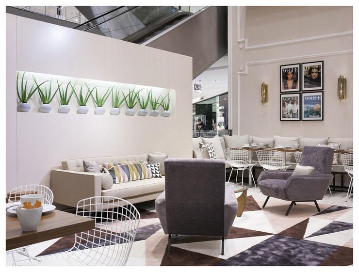 « Dès le 23 janvier au 22 mars, vous pouvez trouver dans l'atrium du Printemps Haussmann le nouveau VOGUE Café. » Le nouveau VOGUE Café au Printemps Le nouveau VOGUE Café au Printemps Le nouveau VOGUE Caf   au Printemps Magasins Deco 1
