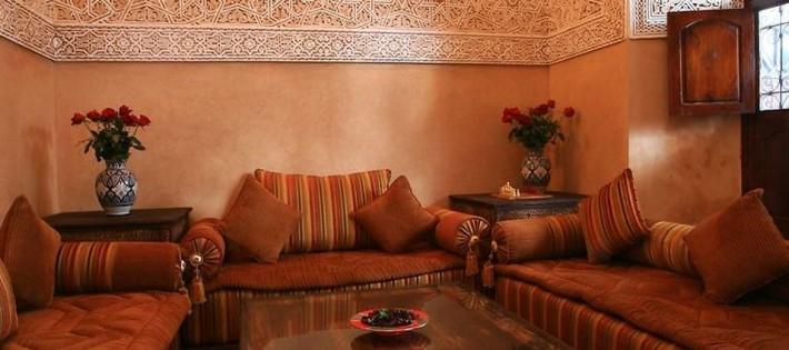Idées pour une décoration orientale Idées pour une décoration orientale le salon marocain du riad nasreenmaroc voyage origines com 1 710x315
