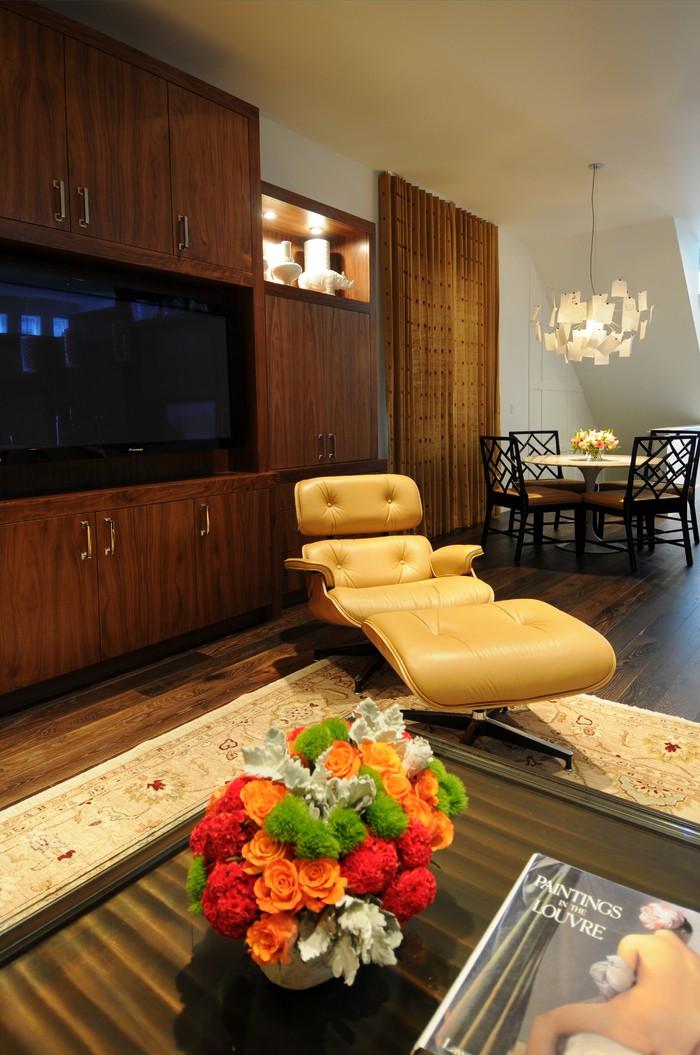 Décorations avec la chaise longue et le pouf de Charles et Ray Eames Décorations avec la chaise longue et le pouf de Charles et Ray Eames 29