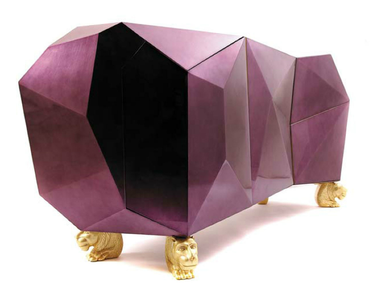 La décoration intérieure de 50 shades of grey. La décoration intérieure de 50 shades of grey.  boca do lobo diamond