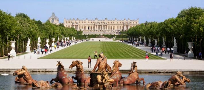 Les pièces mythiques du château de Versailles. Les pièces mythiques du château de Versailles. Chateau de Versailles Bassin Apollon 710x315
