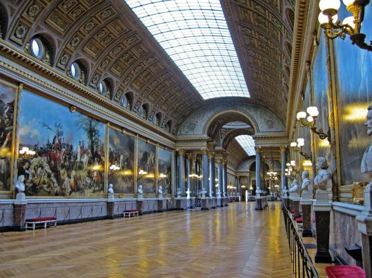 Versailles la galerie des batailles Les pièces mythiques du château de Versailles. Les pièces mythiques du château de Versailles. Versailles la galerie des batailles