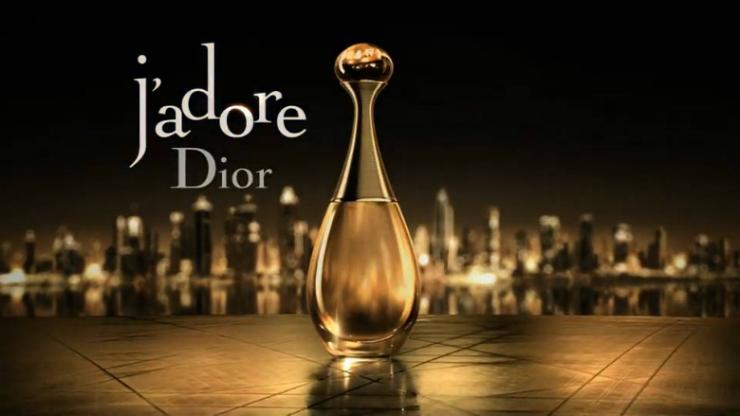 Dior - 5 Le parfum j'adore de Dior Le parfum j'adore de Dior Dior 5