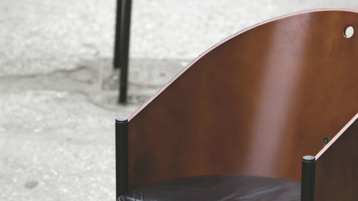 2 La chaise « costes » de Philippe Starck La chaise « costes » de Philippe Starck 214