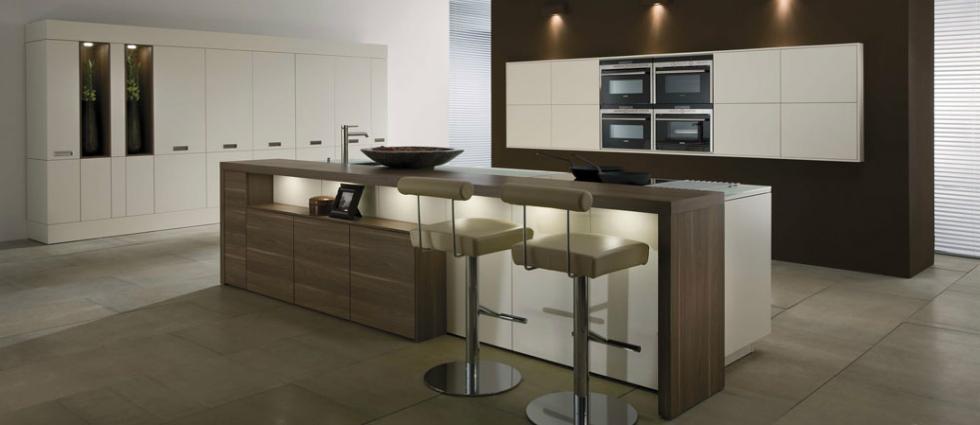 0 Des chaises hautes de cuisine Des chaises hautes de cuisine 011