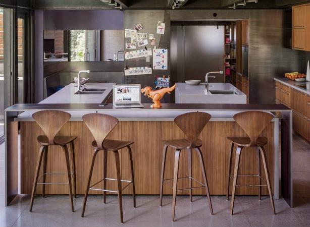1 Des chaises hautes de cuisine Des chaises hautes de cuisine 130