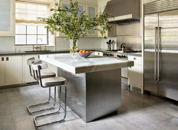 2 Des chaises hautes de cuisine Des chaises hautes de cuisine 217