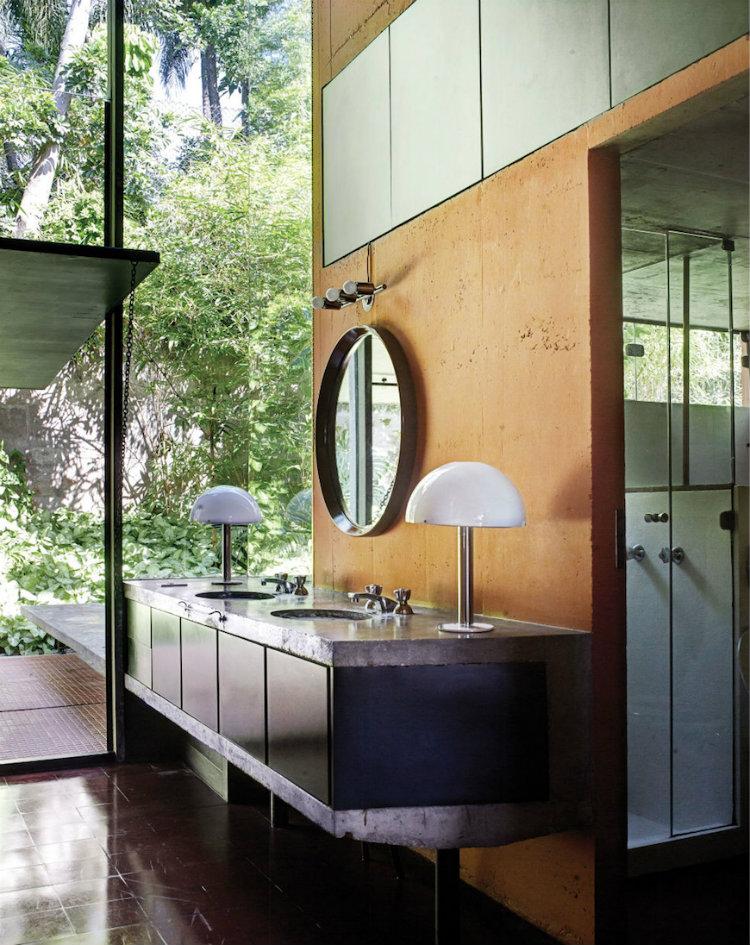 Des miroirs pour salle de bain for Miroir au dessus d une cheminee
