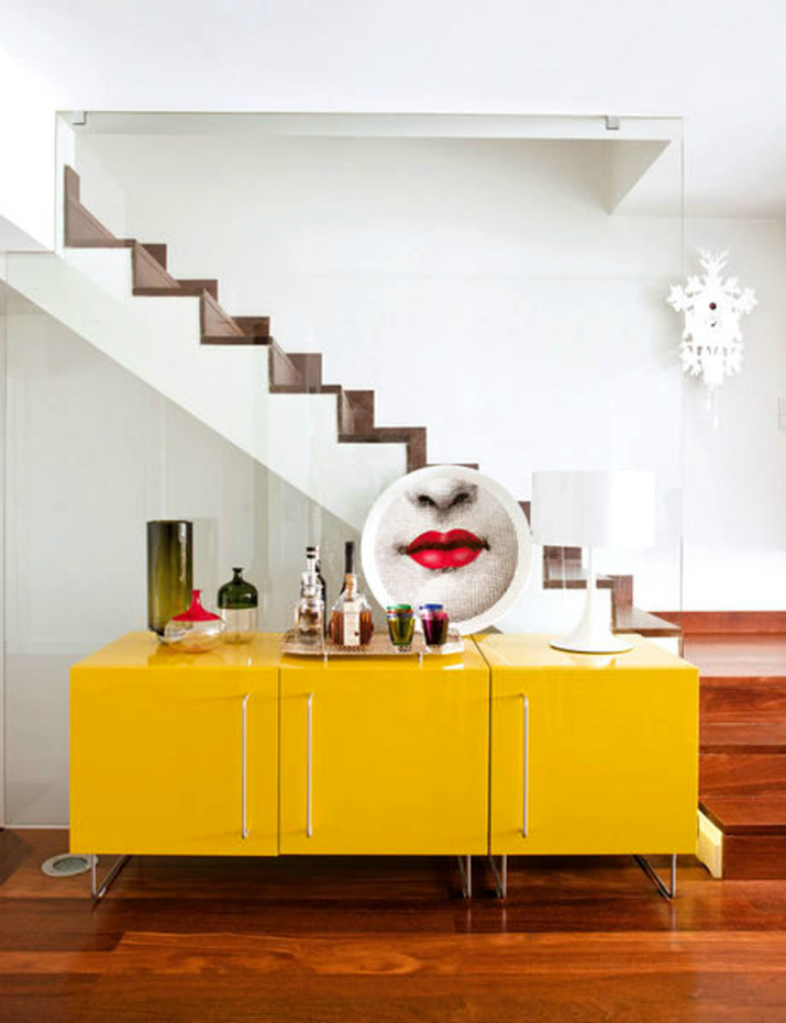 5  5 buffets avec la couleur jaune 529
