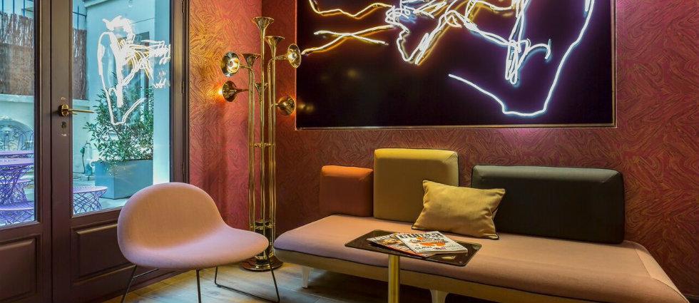 lampes de pieds Des lampes de pieds inspirées par des hôtels de luxe CAPA2