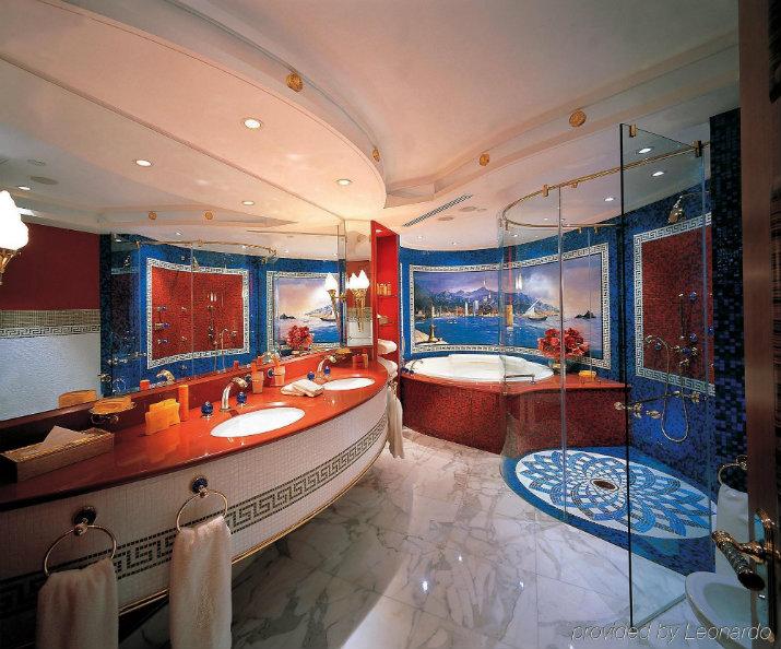 Burj Al Arab Jumeirah HOTEL DE LUXE PROJETS D'HOTEL DE LUXE PAR ARCHITECTES INTÉRIEURS CITY PALACE INTERIORS Burj Al Arab Jumeirah