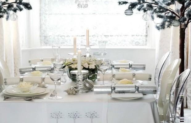 table Table de Noël – Des idées pour décorer votre salle à manger Featured Image 620x400
