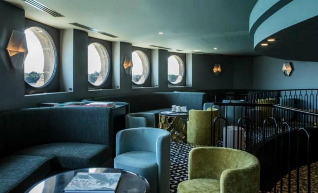 Hôtel Castelbrac Inspirez-vous de l'intérieur de l'Hôtel Castelbrac Get Inspired By The Striking Castelbrac Dinard Hotel Interior 7 1