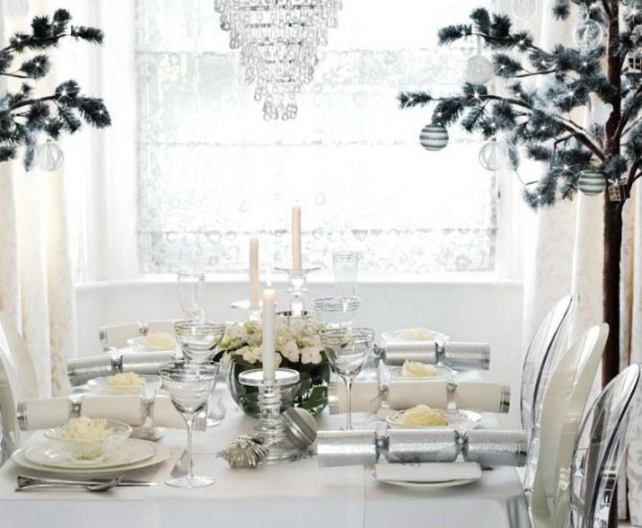 Christmas  table Table de Noël – Des idées pour décorer votre salle à manger christmas table 2