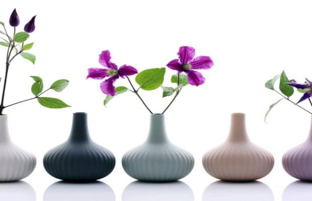 PRINTEMPS APPORTEZ LE PRINTEMPS DANS VOTRE SALON Un salon vert et fleuri pour une d  co de printemps vases porcelaine ALiCE onions boutique MLC 620x400