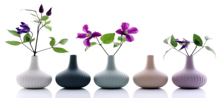 PRINTEMPS APPORTEZ LE PRINTEMPS DANS VOTRE SALON Un salon vert et fleuri pour une d  co de printemps vases porcelaine ALiCE onions boutique MLC 710x315