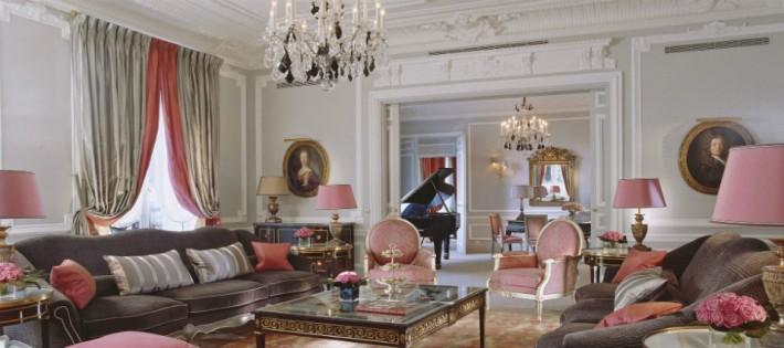 Hôtels de Luxe: Plaza Athénée L'adresse de la Haute Couture à Paris