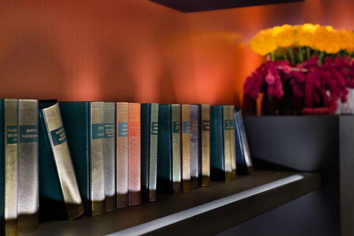Le Pavillon des Lettres par Kerylos Intérieurs pavillon des lettres Paris Hôtels: Le Pavillon des Lettres par Kerylos Intérieurs livres
