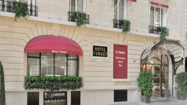 François Champsaur nous présente L'Hôtel Vernet