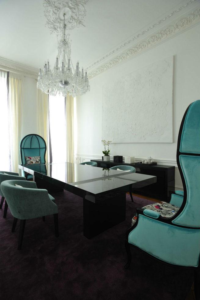 Découvrez le style moderne de cet appartement à Paris.  Découvrez le style moderne de cet appartement à Paris. Youll Love the Interiors of this Haussmann Style Apartment in Paris 10