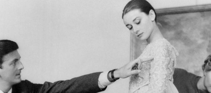 7 des Plus Grands Moments de Hubert de Givenchy et Audrey Hepburn hubert de givenchy e audrey hepburn givenchy blog anasuil 710x315