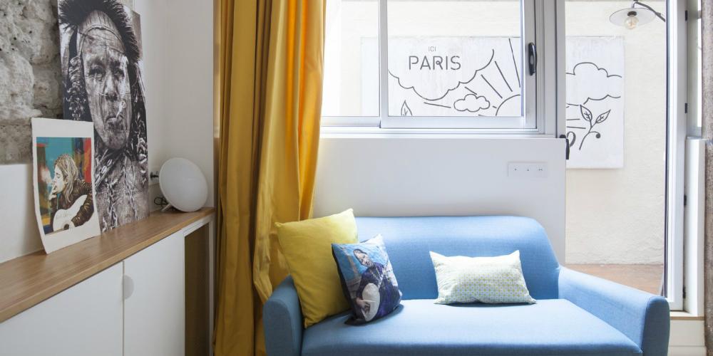 Un Petit Pied-à-Terre de 40m2 a Paris par l'Architect Remy Bardin salon terrasse sloft magazine