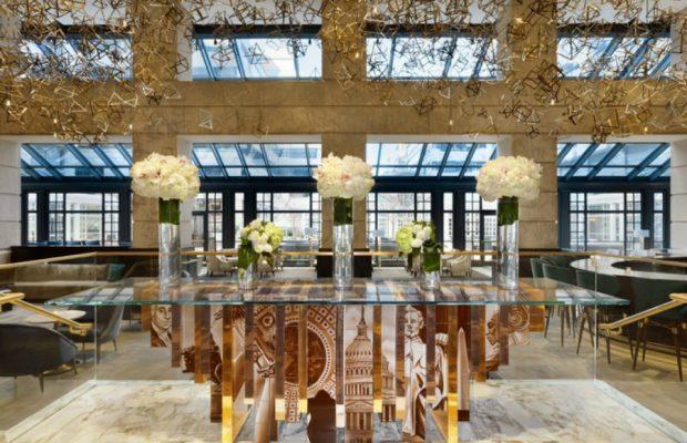 Tables á Manger en Verre Parfait pour Votre Salon Boca do Lobo Furniture Heritage Family 2 1 620x400