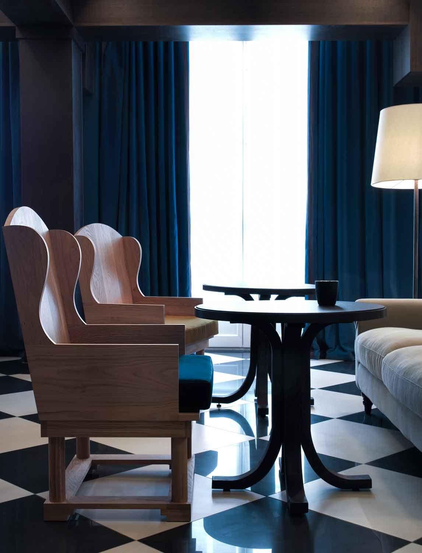 Gilles & Boissier - L'innovation en Noir et Blanc Chess Hotel 1