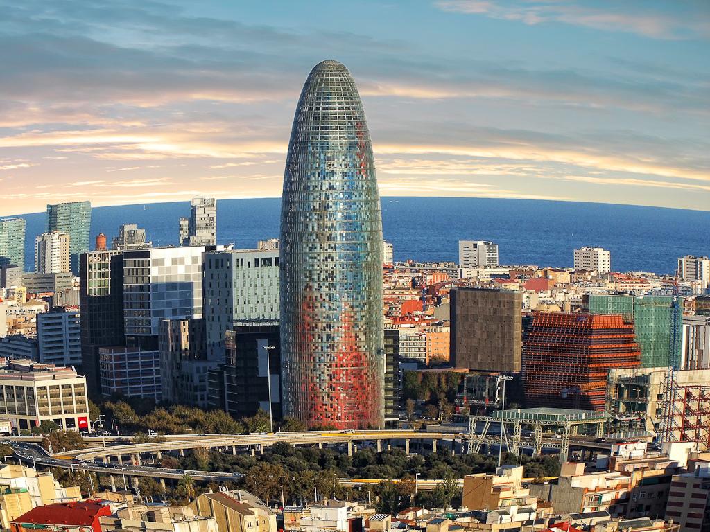 Top 10 : Le chef d'oeuvre de Jean Nouvel Torre Agbar 6