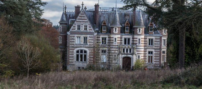 5 Lieux Abandonnés à Découvrir en France  5 Lieux Abandonnés à Découvrir en France chateau lamare 2 1024x682 710x315