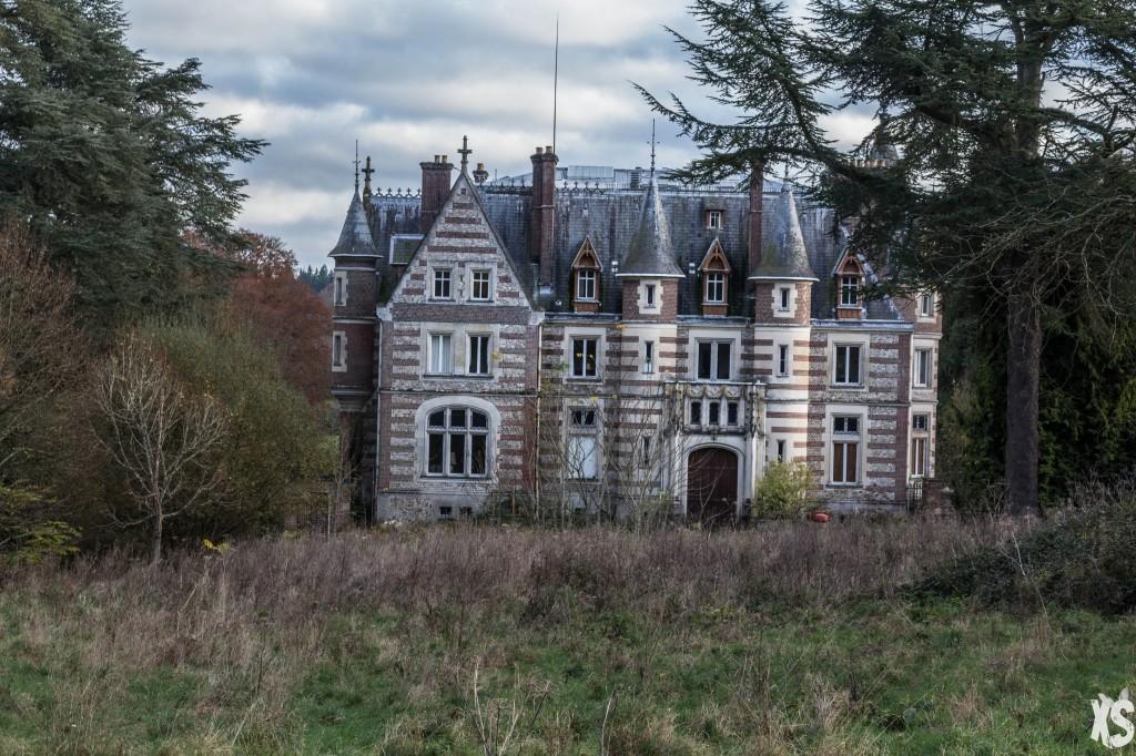 5 Lieux Abandonnés à Découvrir en France chateau lamare 2 1024x682