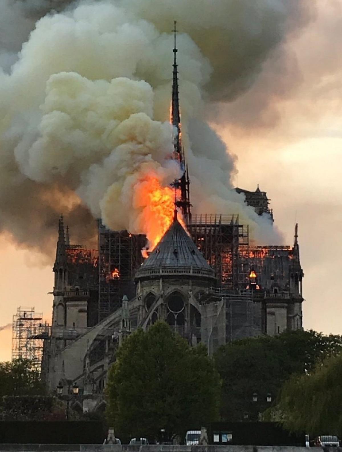 La Belle Notre Dame notre dame fire 1
